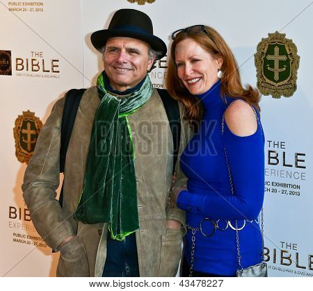 NEW YORK-MAR 19: Actor Joe Pantoliano and Nancy Sheppard attend the opening night gala of