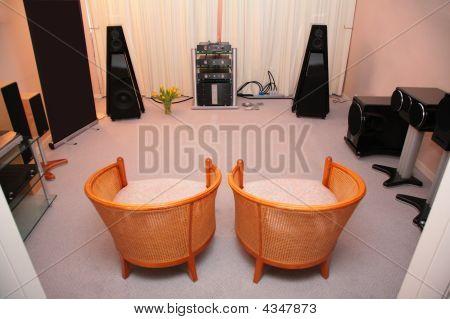 Habitación con sistema de Audio Hi-end
