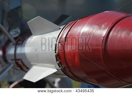 White-red Missile