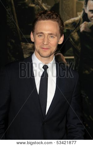 LOS ANGELES - NOV 4:  Tom Hiddleston at the Thor: The Dark World' Premiere at El Capitan Theater on November 4, 2013 in Los Angeles, CA