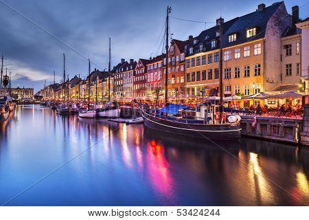 Canal Nyhavn en Copenhague, Dinamarca.