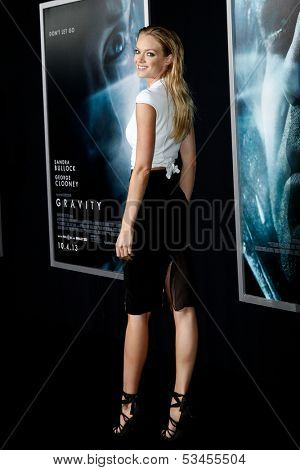 NEW YORK-OCT 1: Model Lindsay Ellingson attends the 'Gravity' premiere at AMC Lincoln Square Theater on October 1, 2013 in New York City.