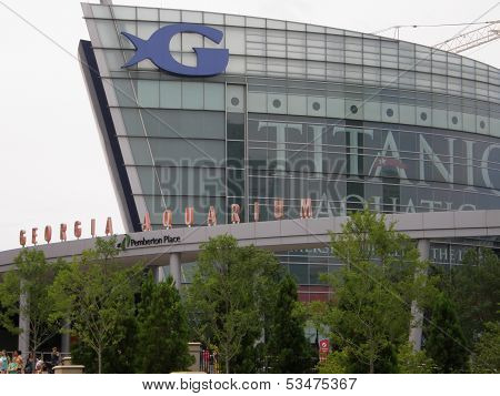 he Georgia Aquarium facade in Atlanta, Georgia