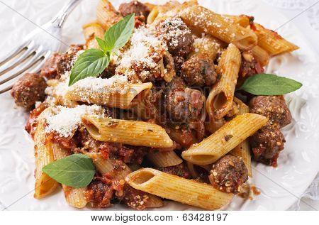 pasta con salsiccia