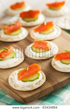Salmon And Cracker Hor D'oeuvres