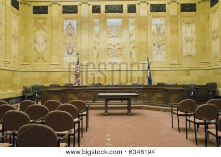 Gerichtszimmer