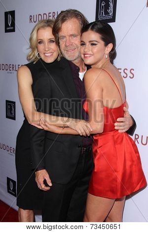 LOS ANGELES - OCT 7:  Felicity Huffman, William H Macy, Selena Gomez at the