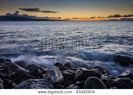Snrise On Maui Beach