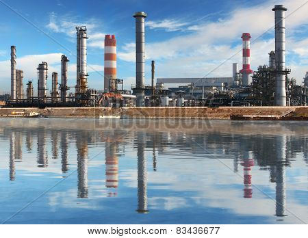 Petrochemical plant with reflection in water Oil Industry