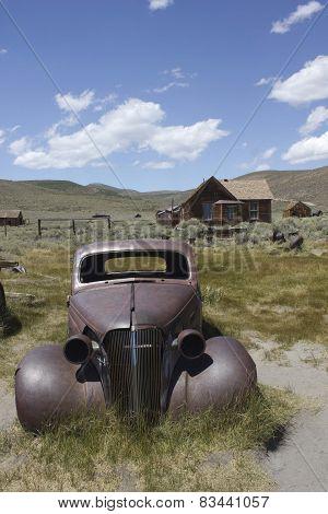 Rusty car in Bodie
