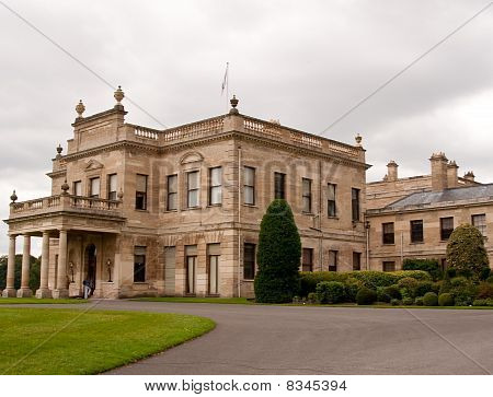 Vista de entrada de Brodsworth Hall