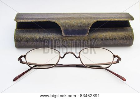 Eyeglasses And Eyeglasses Case