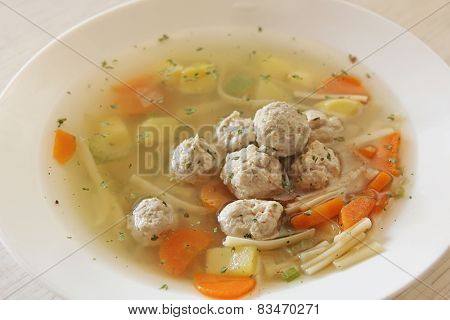 Vegetable soup with chicken meatballs