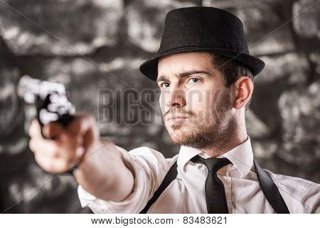 Gangster.