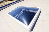 pic of hydro  - Flat roof with skylight and hydro insulation membranes - JPG