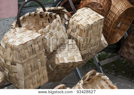 Wicker Basket, Handmade Basket In Wicker Or Chestnut Wood