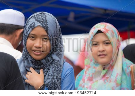 Beautiful Muslim Young Ladies With Hijab