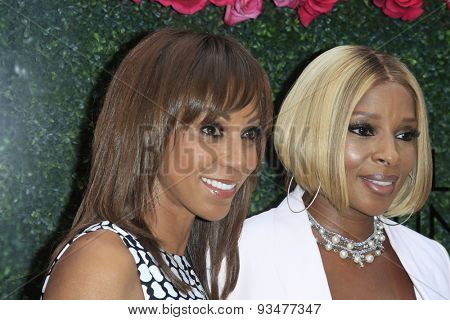 LOS ANGELES - JUN 13:  Holly Robinson Peete, Mary J Blige at the LadyLike Foundation 7th Annual Women Of Excellence Scholarship Luncheon at the Luxe Hotel on June 13, 2015 in Los Angeles, CA