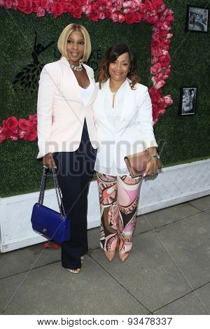 LOS ANGELES - JUN 13:  Mary J Blige, Simone Smith at the LadyLike Foundation 7th Annual Women Of Excellence Scholarship Luncheon at the Luxe Hotel on June 13, 2015 in Los Angeles, CA