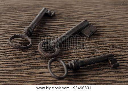 Keys on the old wood