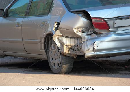 For transport a result of road accidents - a broken back and side parts.