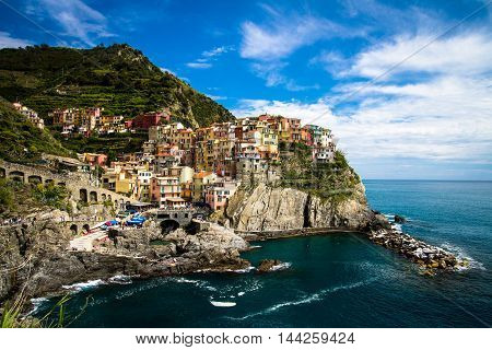 Picturesque Manarola fishing village, Cinque Terre, Linguria Italy
