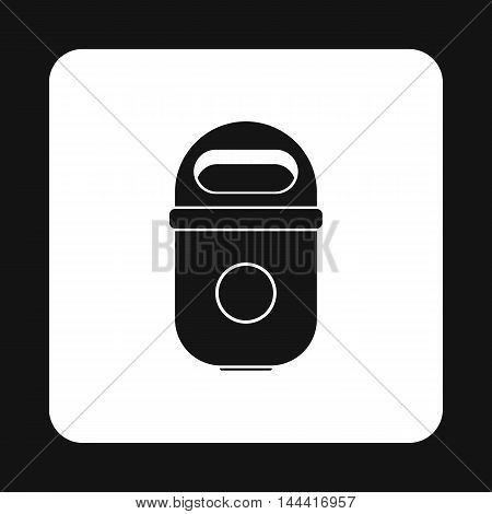 Trash can icon in simple style isolated on white background. Sanitation symbol