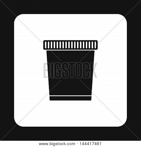 Garbage can icon in simple style isolated on white background. Sanitation symbol