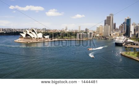 Sydney Opera House Skyline Ship