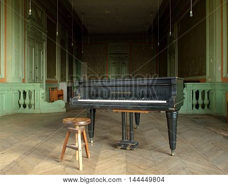 Salon manufacturer Grohman. Lodz, Poland December 28, 2007 The stylish piano in the living room villa known the Lodz factory owner Henry Grohman.