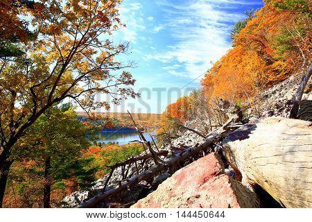 Autumn hiking trails at Devil's Lake State Park