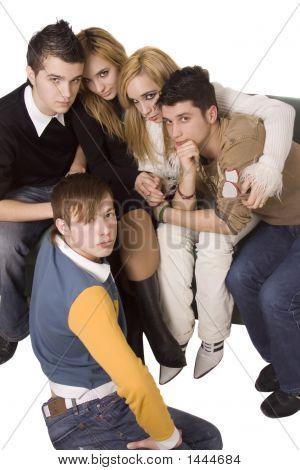 Amigos en el sofá