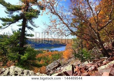 Autumn rocky hiking trails at Devil's Lake State Park, Wisconsin