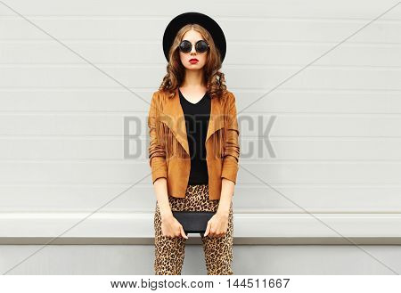 Fashion Look, Pretty Woman Wearing A Retro Elegant Hat, Sunglasses, Brown Jacket And Black Handbag C