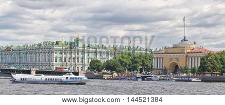 The Palace Bridge (Palace Bridge). Sunrise. Saint Petersburg Russia.