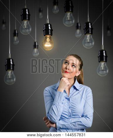 thinking woman got an idea