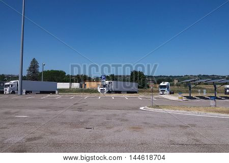White Lorry Trucks