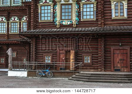 Someone has arrived to the imperial palace of Alexey Romanov in Kolomna in Moscow by bicycle.
