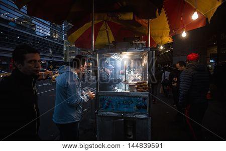 Manhattan Street Scene, Nyc
