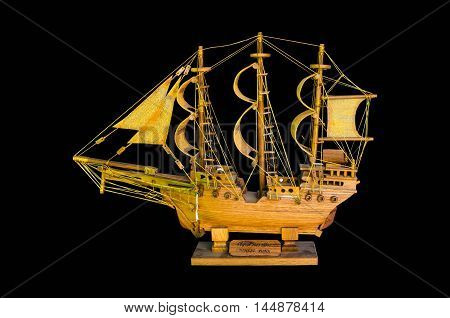 wooden handmade clipper ship for home decoration isolated (2)