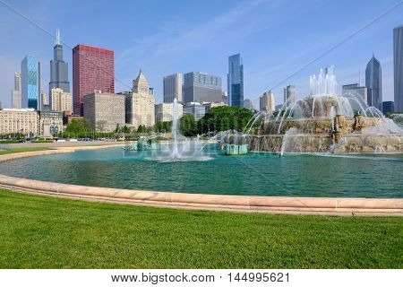 Chicago skyline and Buckingham Fountain in the morning. No brand names or copyright objects.