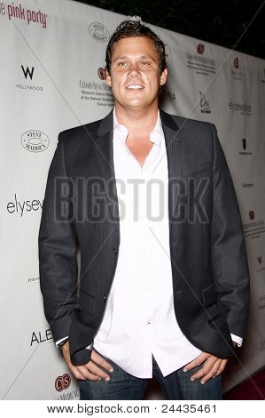 LOS ANGELES - SEP 25: Bob Guiney at the 6th Annual Pink Party held at Drai's at the W Hotel in Los Angeles, California on September 25, 2010