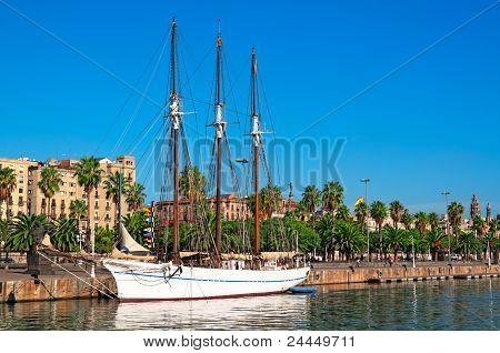 Port Well in Barcelona - Spain