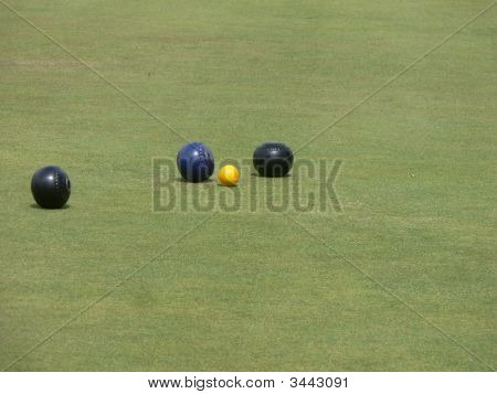 Lawn Bowling Balls With Jack