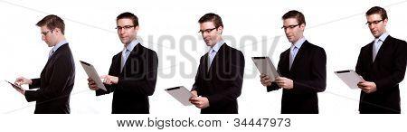 Auflistung der junge Geschäftsmann mit einem Touch-Bildschirm-Gerät vor weißem Hintergrund