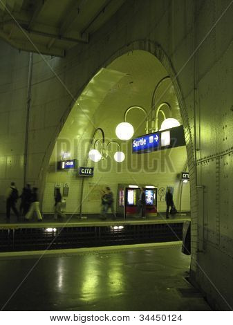Paris Metro Cite stop
