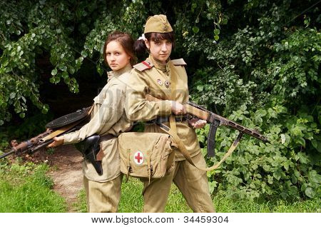 girls with gun