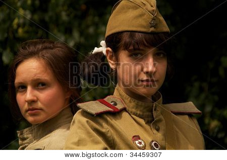 girls in military costums