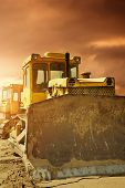 pic of bulldozer  - Bulldozer at work - JPG