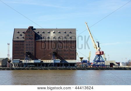Granary Shipping Port